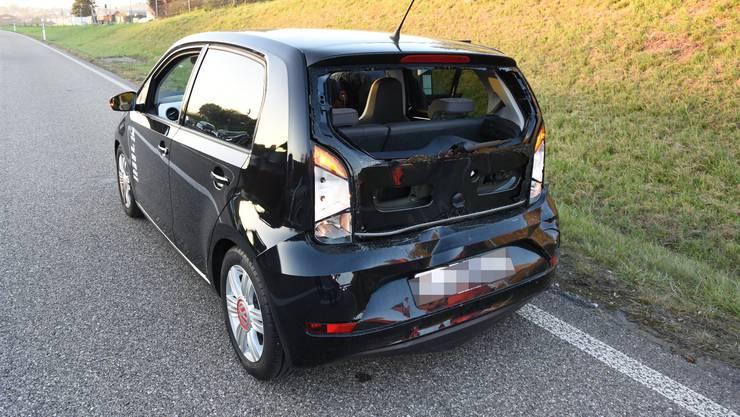 Der Lenker dieses Autos wurde bei der Kollision leicht verletzt.