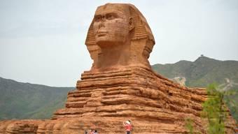 Chinesen bauen ägyptische Sphinx originalgetreu nach.