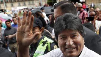 Boliviens gestürzter Präsident Evo Morales bei seiner Ankunft im Exil in Mexiko-Stadt.
