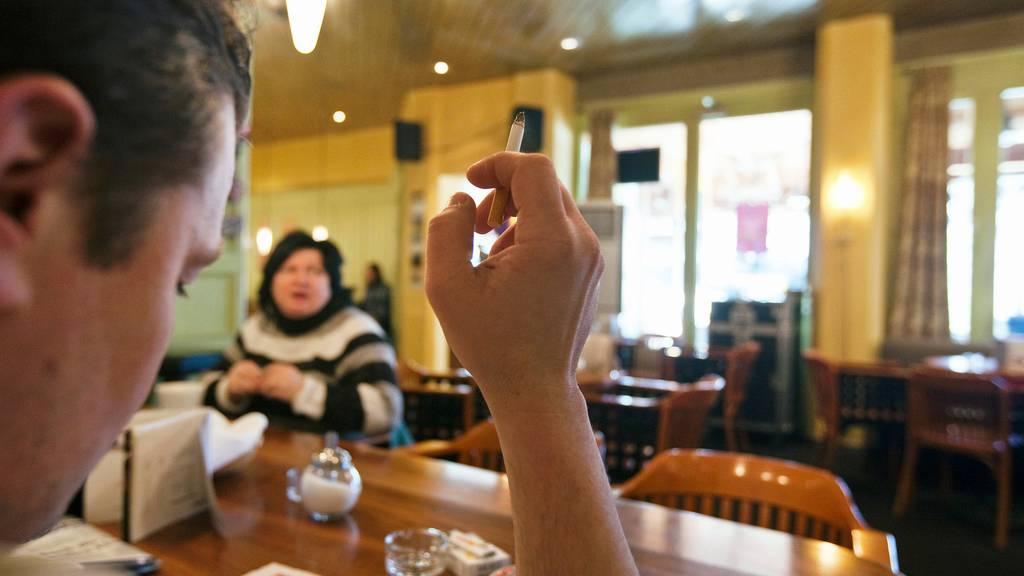 Raucher-Schere: Die Oberschicht hört auf, die Unterschicht raucht