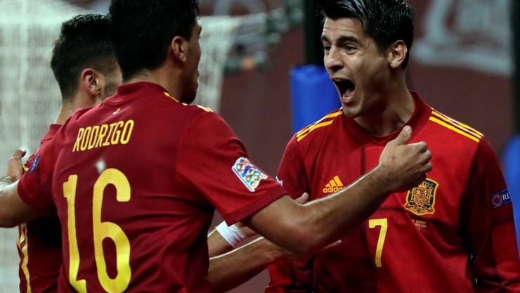 1:0-Torschütze Alvaro Morata (rechts) und die Spanier überrollen Deutschland