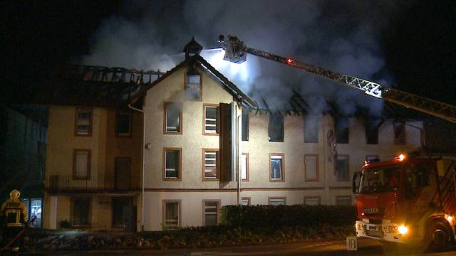 Tote in abgebranntem Fabrikgebäude