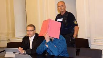 Der Angeklagte wurde zu sechs Jahren Haft verurteilt. Ob der Verteidiger Rechtsmittel gegen das Urteil einlegen wird, ist noch ungewiss.