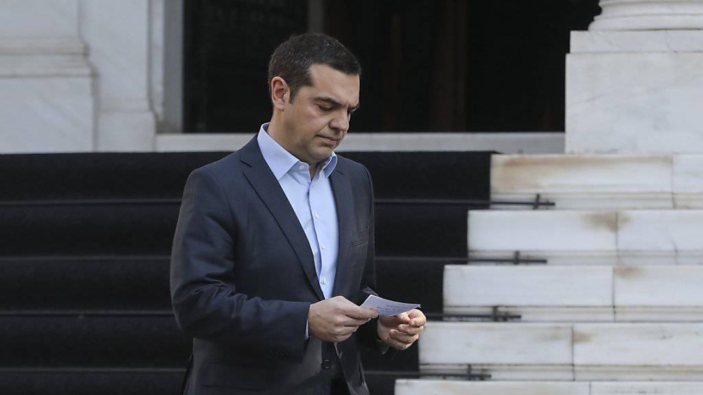 Griechenlands Ministerpräsident Alexis Tsipras hat angekündigt, sich einer Vertrauensabstimmung im Parlament zu stellen.