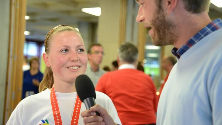 Sabrina Peterhans im Sieger-Interview mit Moderator Marco Fritsche.