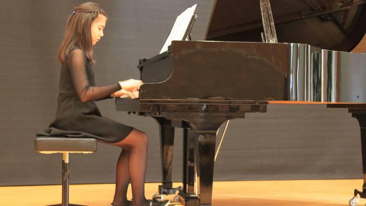 Die elfjährige Livia Iseppi gehört zu den Talenten in der Musikschule Dietikon