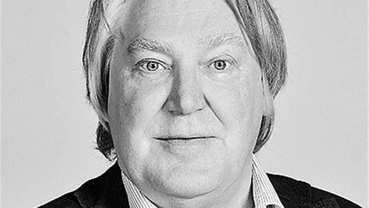 Max Dohnerstudierte Germanistik und Philosophie an der Universität Zürich, anschliessend war er als Deutschlehrer tätig. Von 1980 bis 1985 lebte er in Nicaragua und arbeitete als Sprachlehrer an der Zentralamerikanischen Universität (UCA) in Managua als Übersetzer und Dolmetscher. Seit 1985 ist Max Dohner Schriftsteller und Journalist. Er ist Mitglied der Vereinigung Autorinnen und Autoren der Schweiz (AdS) und arbeitet als fest angestellter AutorvonCH Media.