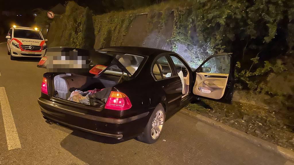 Alkoholisierter 21-Jähriger donnert mit  Auto in Mauer