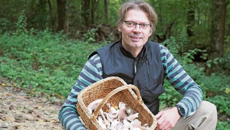 Jens Haverbeck aus Kaiseraugst fühlt sich im Wald zu Hause.
