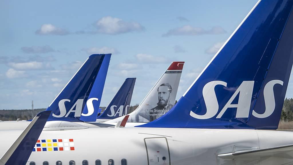 Flugzeuge der Scandinavian Airlines System (SAS) Gruppe in Stockholm (Archivbild).