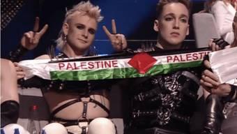 Die Mitglieder der isländischen ESC-Teilnehmer Hatari sind Gegner der israelischen Besatzung in den Palästinensergebieten. (Screenshot)