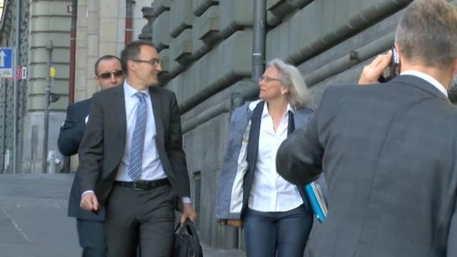 Auftakt im Gerichtsprozess gegen SVP-Kader wegen «Kosovarenschlitzer-Inserat»