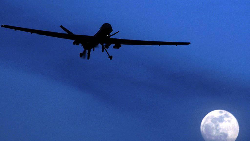 """Eine Predator-Drohne des US-Militärs in Afghanistan. Gemäss der Online-Enthüllungsplattform """"The Intercept"""" werden bei den Drohnenangriffen der USA wesentlich mehr unschuldige Zivilisten getötet als von den US-Behörden angegeben  (Archiv)"""