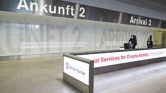 Hier kommen die meisten der repatriierten Schweizerinnen und Schweizer an: eine von zwei Ankunftshallen im Flughafen Zürich. (Archivbild)
