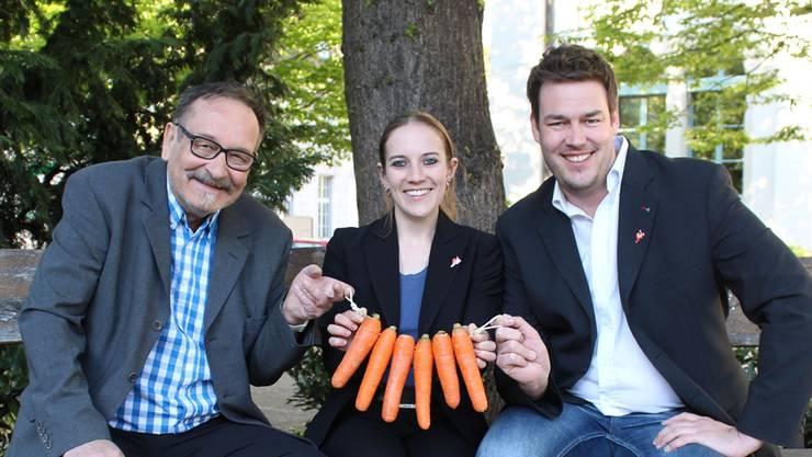 René Kunz, Tonja Kaufmann und Christoph Riner werben für «Rüebli statt Karotten».