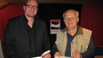 Reto Stampfli (links) und Hans Brunner verstanden es glänzend, die vorgestellten Werke kenntnisreich in die Zeit, in welcher sie entstanden, einzubetten.