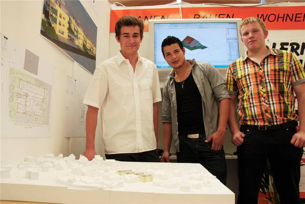 Matthias Kamber, Luca Meister und Simon Stoll werben fürs Baugewerbe.