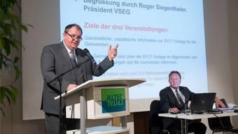 Gemeindeverbandspräsident Roger Siegenthaler (links).