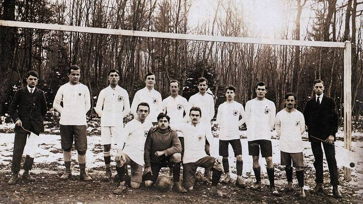 Der FC Lenzburg im Gründungsjahr 1916