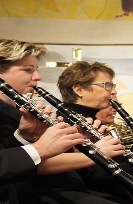 Die Klarinetten belegen sowohl Melodie- als auch Begleitstimmen. pto