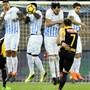 Der Berner Miralem Sulejmani schiesst einen Freistoss beim Spiel FCZ gegen YB