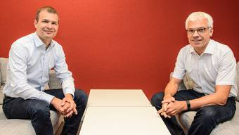 Der eine will weiter sparen, der andere fordert einen Automatismus für Steuererhöhungen: Christof Hiltmann (FDP) und Urs Kaufmann (SP), beide Mitglieder der landrätlichen Finanzkommission.
