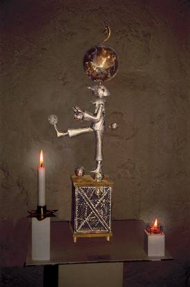 Gugelmann-Kunstwerk mit Kerzenlicht (Aufnahme Museumsnacht 2006).