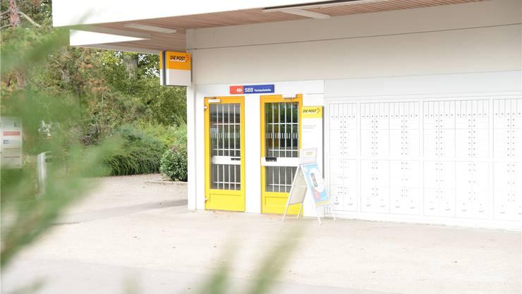Eine SBB-Verkaufsstelle gab es in Neuenhof nie, wer ein Billett am bedienten Schalter kaufen möchte, muss zur Post. Barbara Scherer