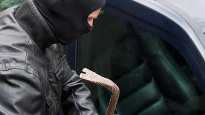 21-jähriger Mann klaut Lieferwagen und wird erwischt