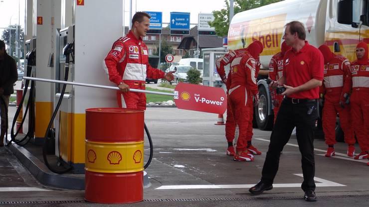 Michael Schumacher beim Werbedreh vor 13 Jahren in Oftringen.