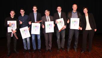 Die Geehrten der 30. Sportpreisfeier zusammen mit Regierungsrätin Monica Gschwind.