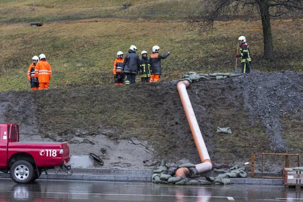 In Visp mussten nach einer Schlammlawine 20 Bewohner evakuiert werden.