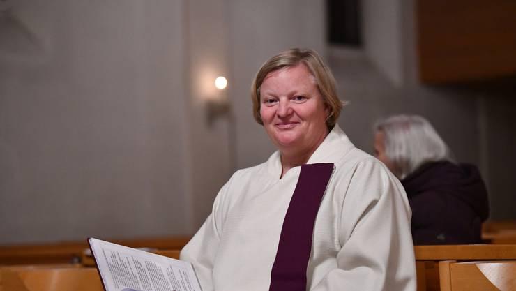 Sie scheut auch vor Kritik am Papst nicht zurück: Elke Kreiselmeyer in der katholischen Kirche von Binningen.
