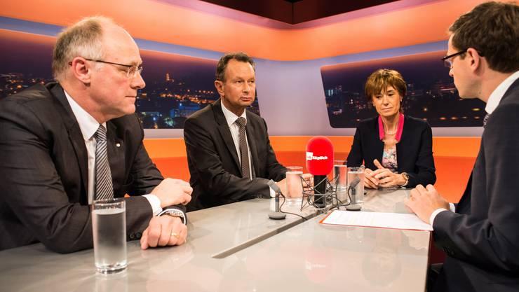 Die drei bürgerlichen Bewerber auf einen Sitz im Ständerat zu Gast bei «Talk Täglich»-Moderator Christian Dorer (rechts): Hansjörg Knecht (SVP), Philipp Müller (FDP) und Ruth Humbel (CVP).