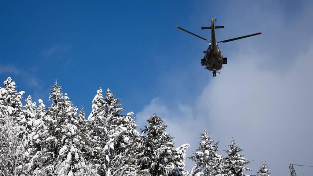 Die sechs Studenten wurden mit dem Helikopter gerettet. (Symbolbild)