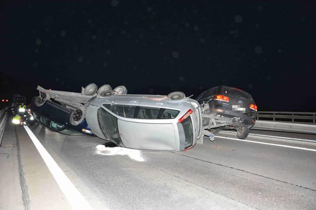 A2 bei Hägendorf SO, 28.Februar: Ein Autoanhänger kippte auf die Seite. Der Lenker zog sich leichte Verletzungen zu. Die Autobahn A2 in Richtung Luzern war mehrere Stunden gesperrt.