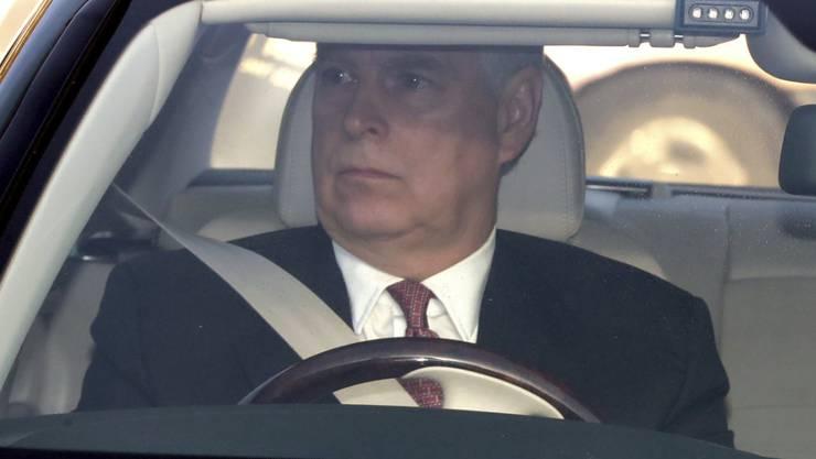 Die Rechtsvertreter des britischen Prinzen Andrew erklärten am Montag, dass der Royal im Epstein-Missbrauchsskandal kooperativ sein werde - aus den USA hiess es dagegen, dies würde nicht stimmen. (Archivbild)