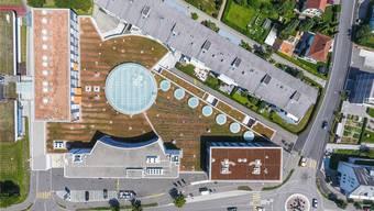 Blick auf das Zentrum Spitzacker: Bis 2030 will Urdorf unter anderem den Ausweichs- und Durchgangsverkehr reduzieren.