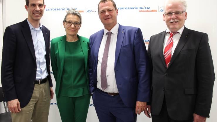 Thierry Burkart (Nationalrat), Susanne Studer Wacker (SUVA), Felix Wyss  (Präsident carrosserie suisse Aargau), Ulrich Tschan (Chef Armeelogistikcenter Othmarsingen)