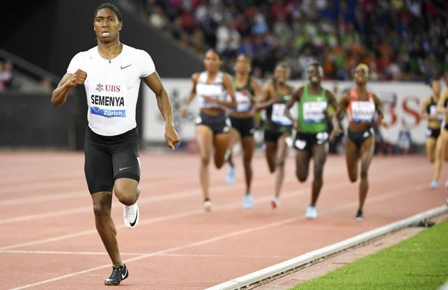 Der Normalfall: Caster Semenya lässt ihre Konkurrentinnen über 800 m beim Meeting in Zürich stehen.