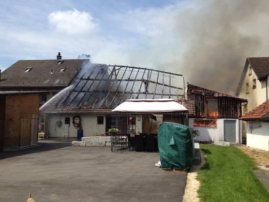 Die Polizei hat Ermittlungen zur Klärung der Brandursache aufgenommen.