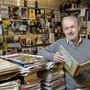"""Cuno Affolter ist Comicsammler und Konservator des """"Centre BD de la Ville de Lausanne""""."""