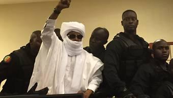 Tschads Ex-Diktator Hissène Habré im vergangenen Jahr vor Gericht in Dakar (Archiv)