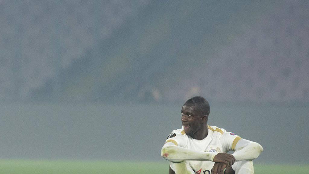 Nach dem Ausscheiden des FC Zürich am Donnerstag in der Europa league - im Bild Assan Ceesay nach dem 0:2 in Neapel - ist die Schweiz aus den Top 15 des UEFA-Rankings gefallen. Das hat Konsequenzen