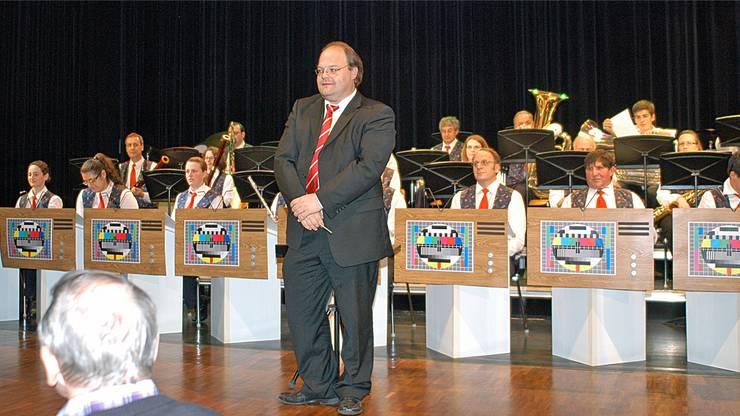 Musikgesellschaft Reinach mit Dirigent Peter Streit.