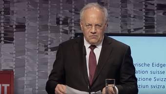 Der Bundespräsident machte vergangene Woche mit einer französischen Ansprache zum Tag der Kranken von sich reden (Video weiter unten). Das Digitale scheint Schneider-Ammann besser zu liegen.