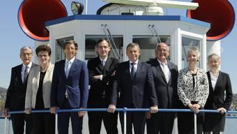 Von links: Beat Husi (Staatsschreiber), Dr. Silvia Steiner, Dr. Thomas Heiniger, Mario Fehr (Vizepräsident 2015/2016), Ernst Stocker (Präsident 2015/2016), Markus Kägi, Carmen Walker Späh, Jacqueline Fehr