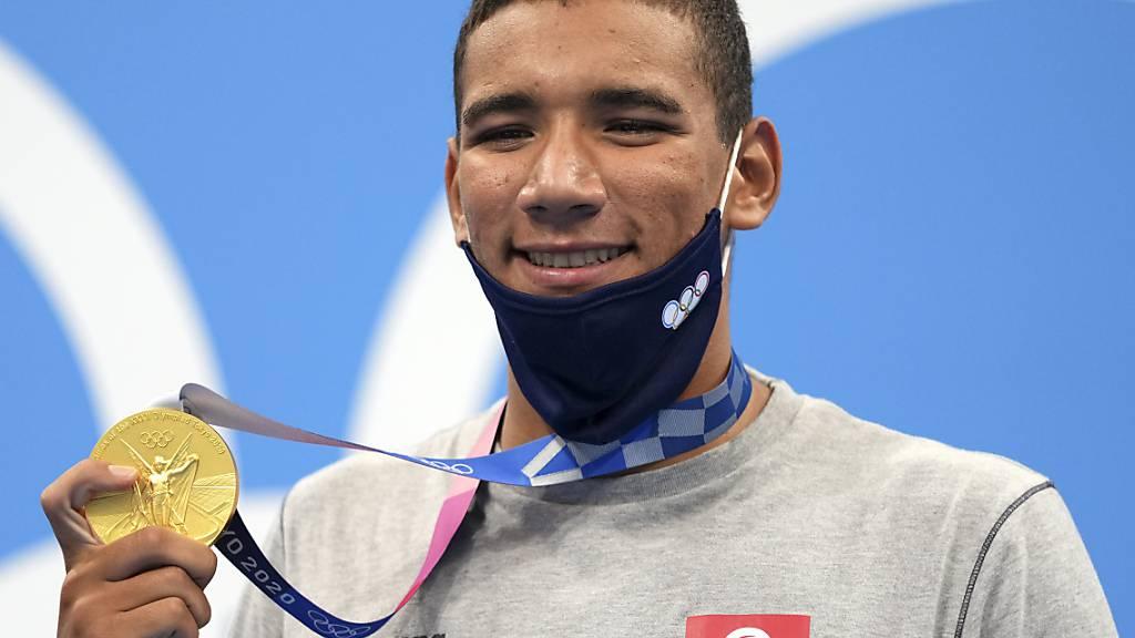 Ahmed Hafnaoui nach seinem Gold-Coup: Der  erst 18-jährige Tunesier liess den Schwimmern von Grossnationen wie den USA und Australien das Nachsehen