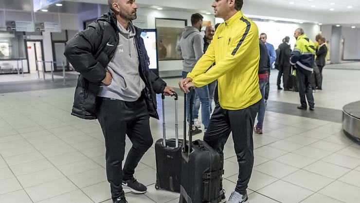 Joël Magnin (links) im Oktober 2018 im Gespräch mit YB-Coach Gerardo Seoane
