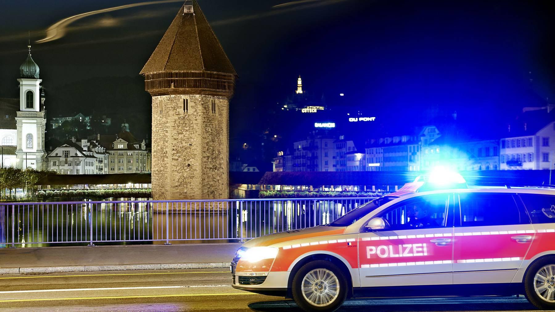 21-jähriger Autolenker stirbt in Marbach